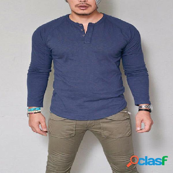 Camiseta masculina confortável de manga comprida com botão redondo e pescoço pulôver