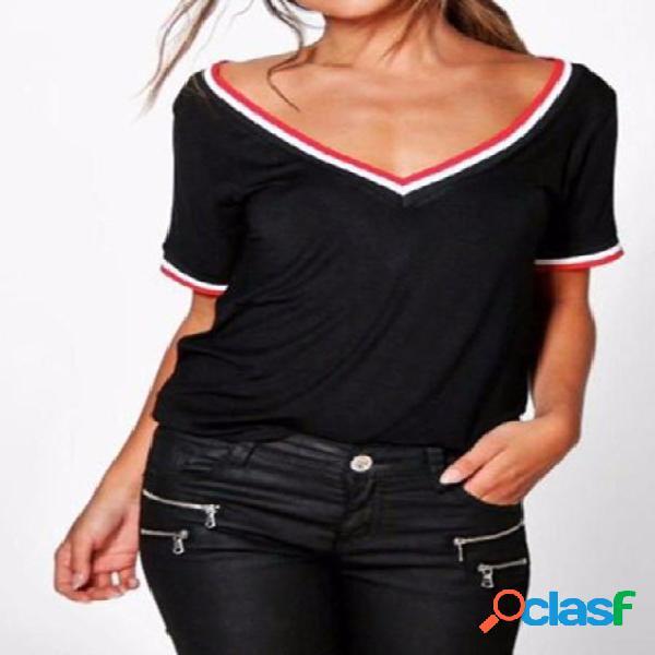 Camiseta de manga curta listrada com decote em v