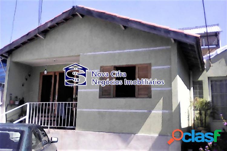 Casa térrea 03 dormitórios + edícula 03 dorms (1 suíte) - 377 m²