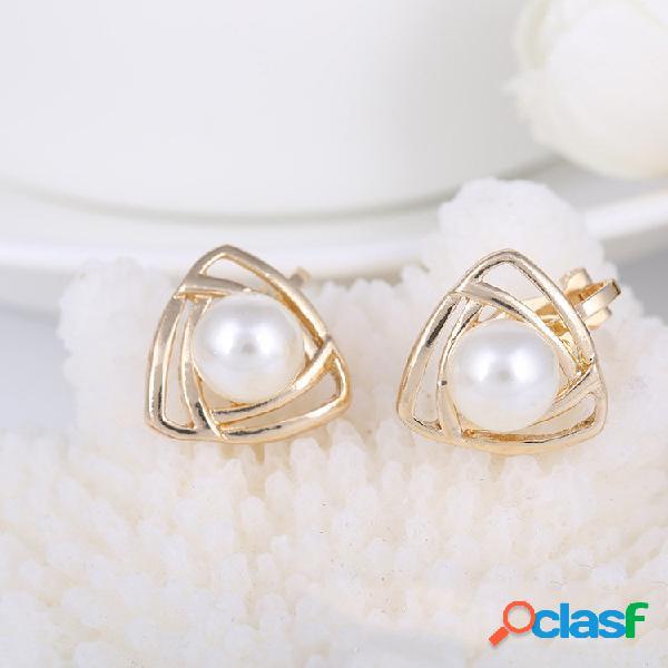 Elegante brincos da orelha oco triângulo geométrico pérola da orelha do parafuso prisioneiro brinco moda jóias para as m