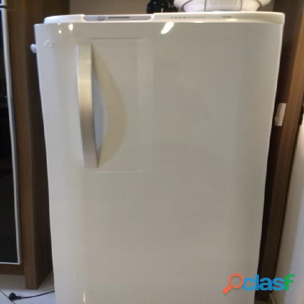 Geladeira electrolux frost free 323 litros modelo rfe38