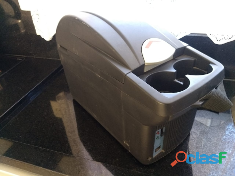 Mini geladeira e aquecedor automotivo 8 litros 12v