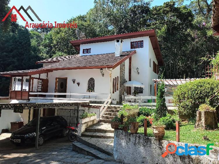 Linda casa para venda com 04 quartos na região alto do boa vista.