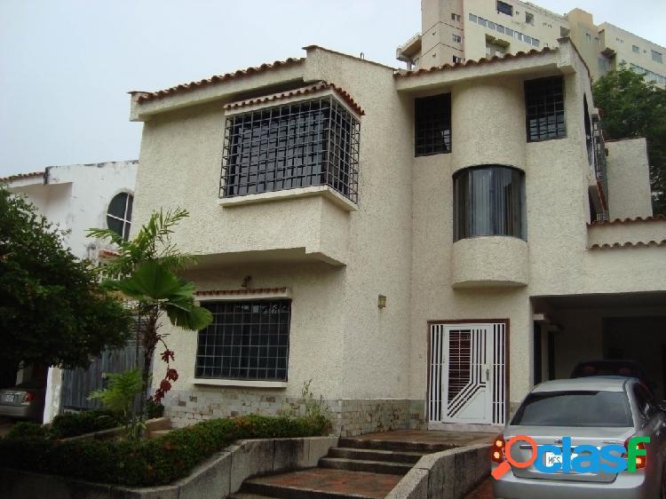 377 m2 venta de amplia casa de 3 niveles en altos de prebo