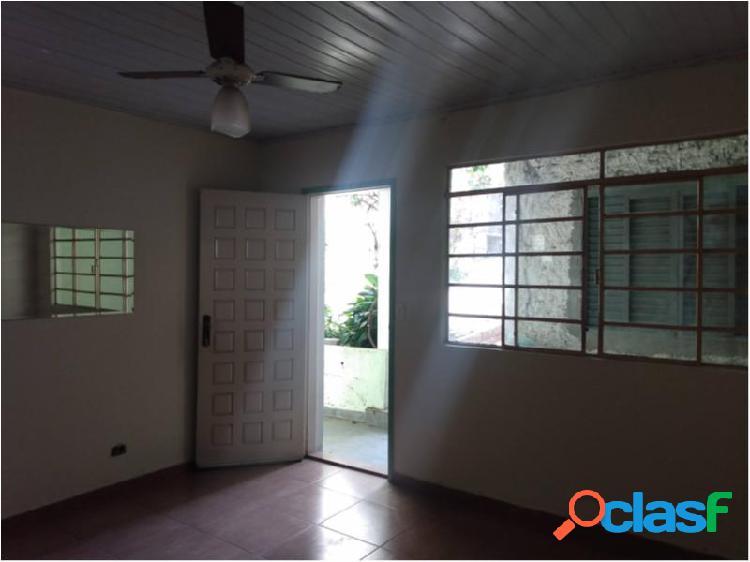 Casa com 2 dorms em são paulo - vila paulista por 1.6 mil para alugar