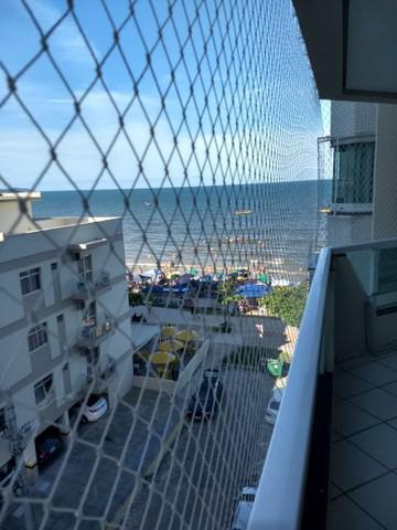 Apto meia praia prédio frente mar próximo shopping russi