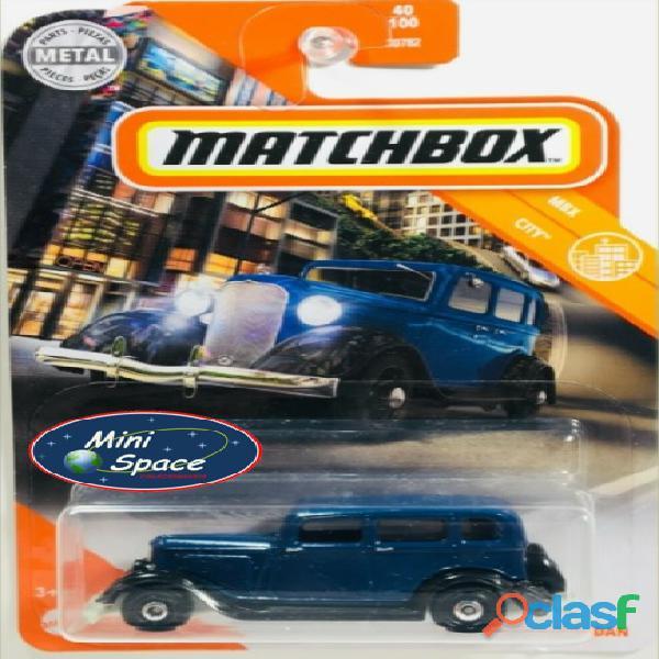 Matchbox 1933 Plymouth Sedan cor Azul 1/64 1