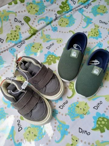 Kit de dois pares de sapatos para bebê n°17 e n°18