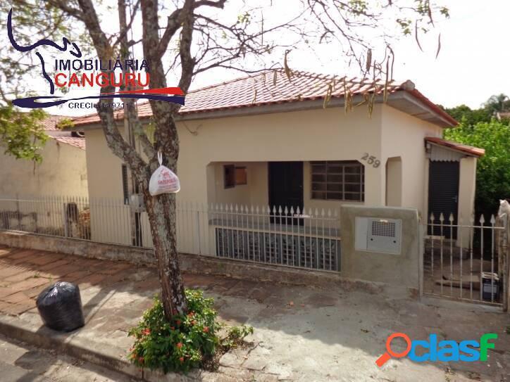 Casa, 2 dormitórios, na Vila São José, Piraju-SP (42)