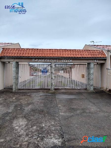 Linda casa de alvenaria em condomínio fechado financie