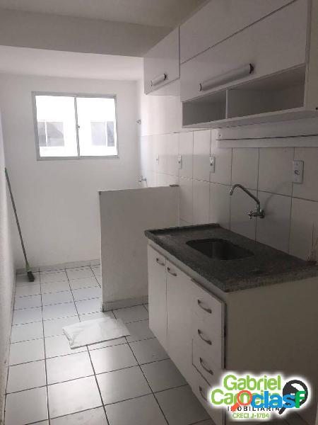 Alugo - apartamento no condomínio solar sim