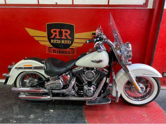 Harley-Davidson - Softail Deluxe