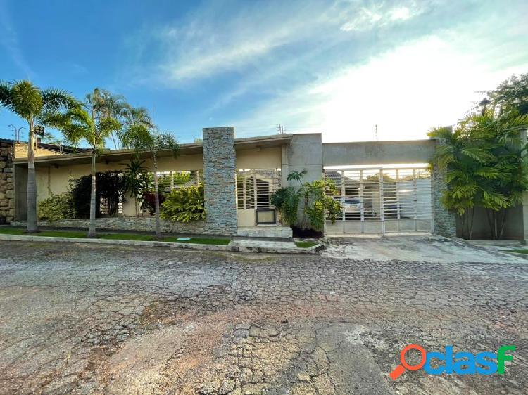 Bella casa en colinas de guataparo calle cerrada servicios 100%