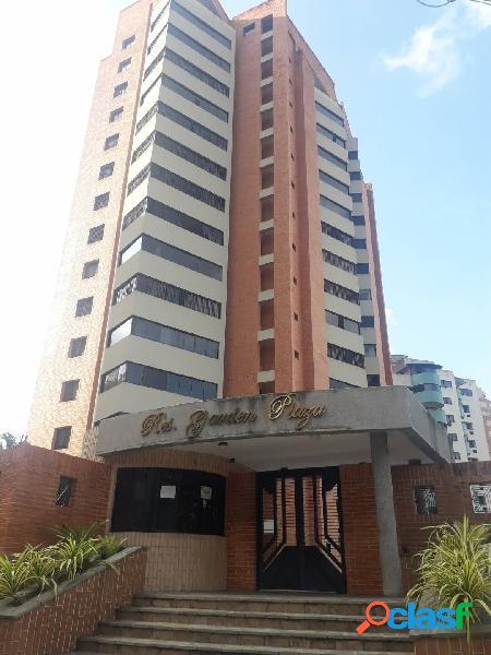 Venta de apartamento en la urbanización las chimeneas