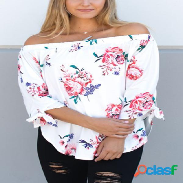 Blusa com estampa floral aleatória branca fora do ombro