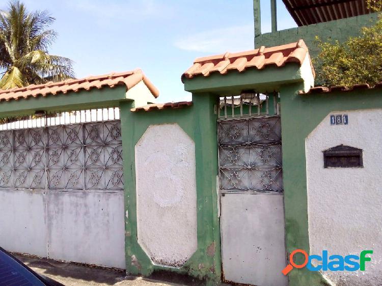 Casa com dois quartos à venda no engenho