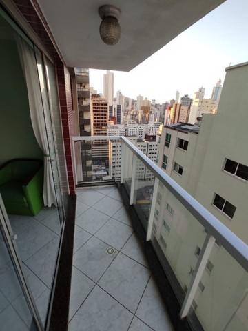 Apartamento c/ 3 dormitórios na avenida central de