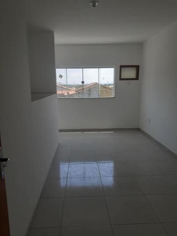 Casa Duplex,2 quartos, excelente acabamento, com vaga de