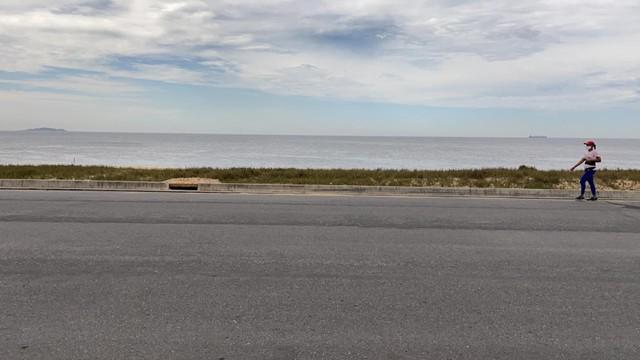 Fantástico lote de frente para a praia / 800 metros