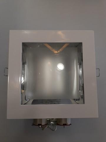 Luminária de embutir para 2 lâmpadas