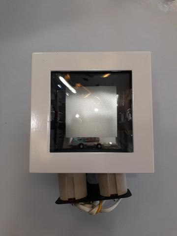 Luminária de embutir para duas lâmpadas