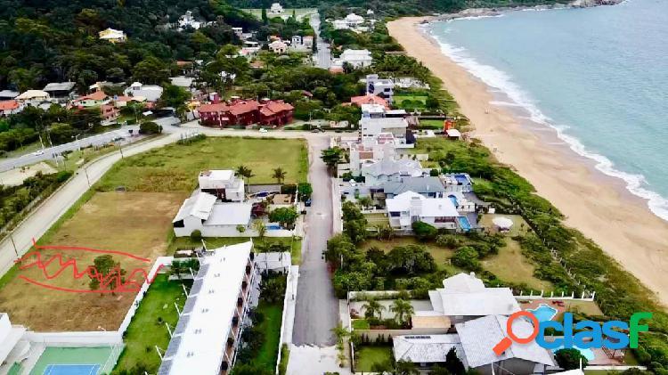 Terreno à venda na Praia de Estaleirinho em Balneário Camboriú