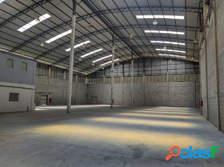 Galpão Comercial e Industrial de 2.389 m² Santana de Parnaíba