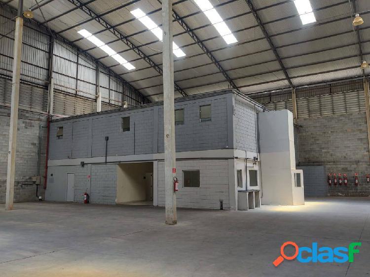 Galpão Comercial e Industrial de 2.389 m² Santana de Parnaíba 2