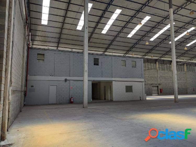 Galpão Comercial e Industrial de 2.389 m² Santana de Parnaíba 3