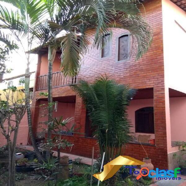 Excelente casa triplex independente com 4 quartos no Braga !!!