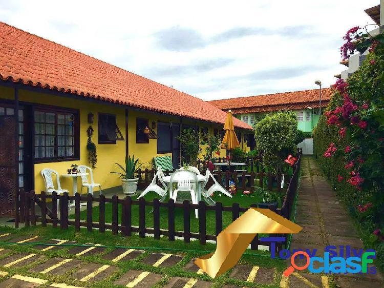 Linda casa duplex em condomínio próximo à praia peró!!!!