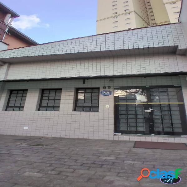Casa a venda no miolo da Vila Romana