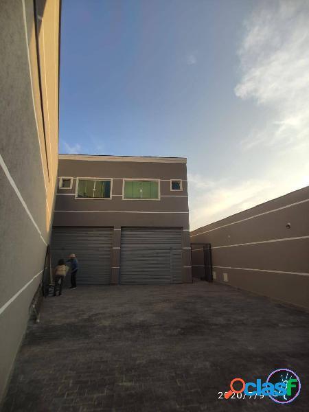 Salão comercial com 170m2, estacionamento, cozinha, banheiros e porta aut.