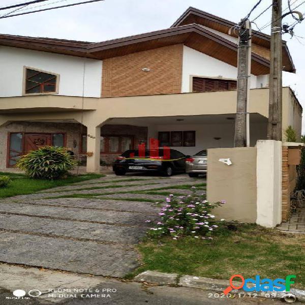 Casa em Condomínio para Venda em São José dos Campos / SP no bairro Jardim das Colinas