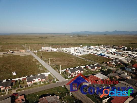 T141 - diversos lotes de 150 m² e 300 m² em região de moradia