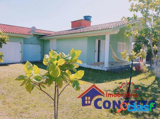 C464 - linda casa com suíte e terreno de 600 m² a 100 metros do mar