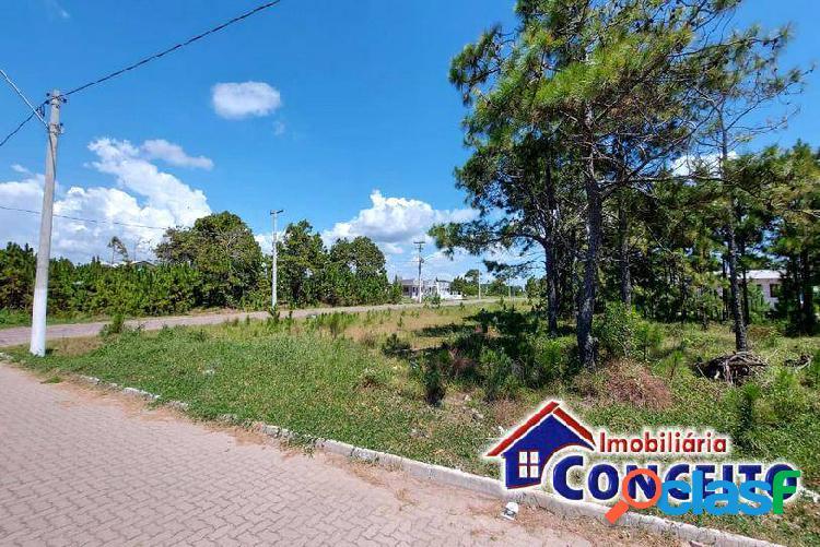 T53 - terreno de esquina no centro de imbé medindo 450 m²