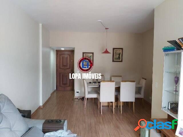 Apartamento com varanda e suíte