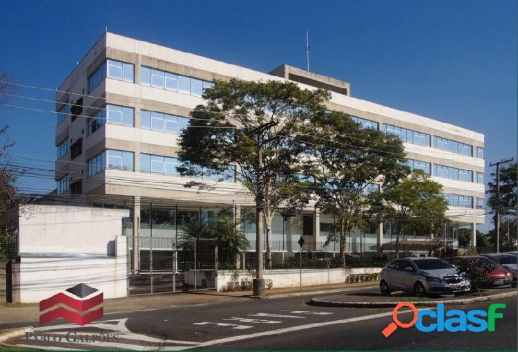 Prédio Comercial para Locação com 7.737 m² em Alphaville, SP