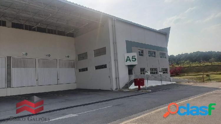 Condomínio galpão 1.942 m² locação jandira, sp.