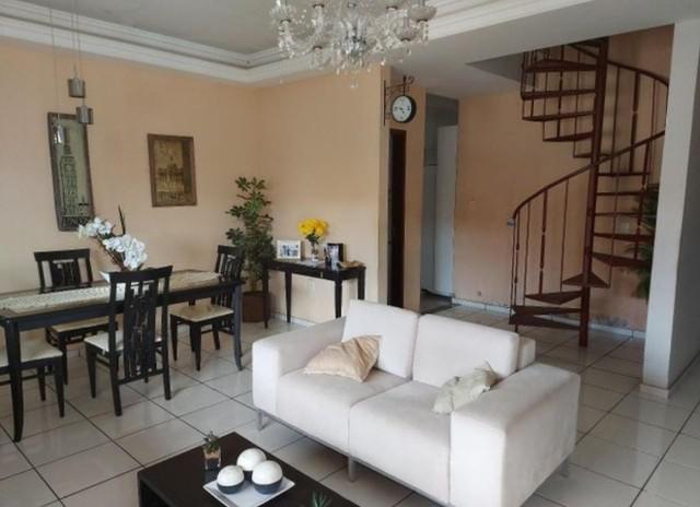Casa duplex em cond. no cohajap, 04 quartos com área de
