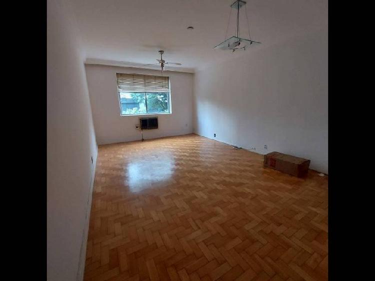 Apartamento de 3 dormitórios com excelente localização