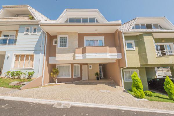 Casa de condomínio para venda possui 231 metros quadrados
