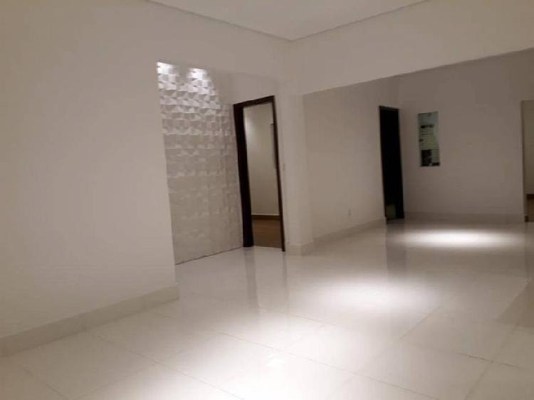 Casa para venda tem 0 metros quadrados com 4 quartos