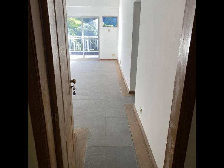 Apartamento com 89 m2 rua garibaldi