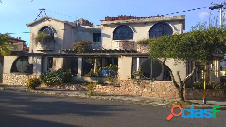 Venta casa en san diego conjunto residencial sansur 292 m2.