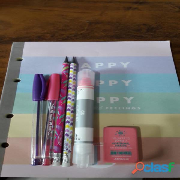 kit escolar com caderno Happy