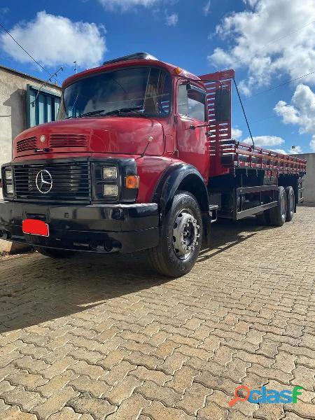 Caminhão 1317 carroceria