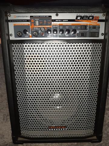 Caixa de som amplificador.