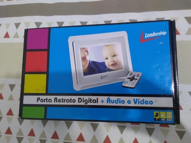 Porta retrato digital + áudio e vídeo leadership